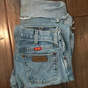 vinage wrangler high waisted jeans light wash💫